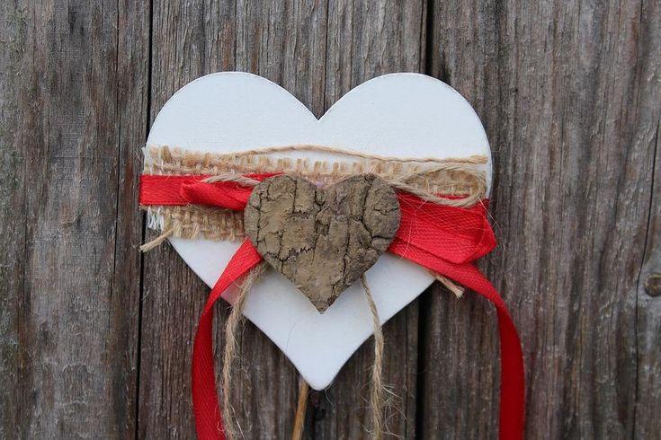 """#Valentinnap #szerelmeseknapja #Valentinnapiajandek #kezzelkeszultajandek #Balintnap  """"Atyavilág! Mit adjak neki?"""" - férfiaknak sem egyszerű az ajándékozás ezen az ünnepen, de egy nőnek is jól eltalálni az..."""