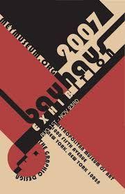 Kubisme voor het Bauhaus. Lijnen, valkken, weinig kleuren, rood, zwart, beige