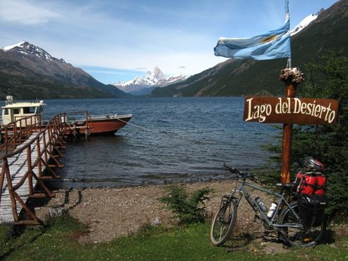 Lago del Desierto, Patagonia, spectacular border crossing from Argentina to Chile