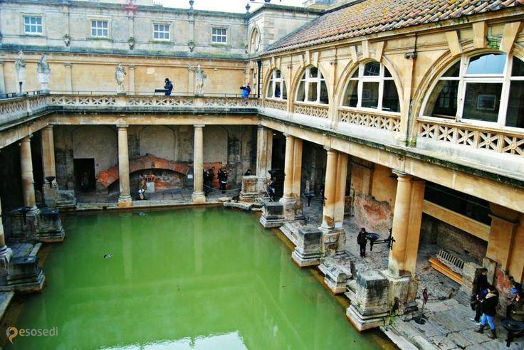 Римские бани – #Великобритания #Англия #Бат_и_Северо_Восточный_Сомерсет (#GB_ENG) Древние римляне - известные любители понежиться в тёплой ванне. Вот и на Туманном Альбионе в качестве наследия эпохи великих завоеваний остались римские термы.  ↳ http://ru.esosedi.org/GB/ENG/1000197934/rimskie_bani/