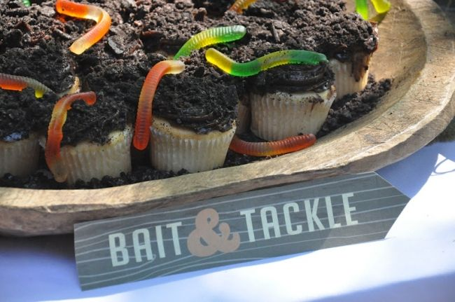 Fishing Party Cupcakes  www.spaceshipsandlaserbeams.com