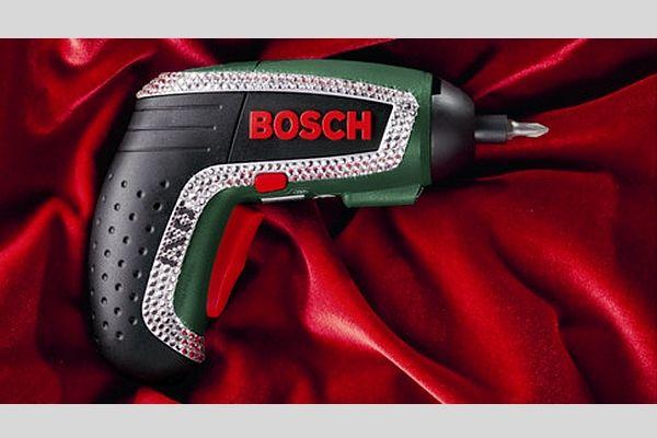 Visseuse, soufflet, tire-bouchons, moulin à épices, la dernière création de Bosch sert à tout !