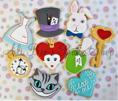 These would have been perfect for Becca's Alice in Wonderland Wedding...the ones her mommy made were pretty awesome though.