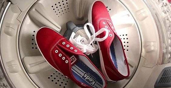 lavare scarpe da ginnastica