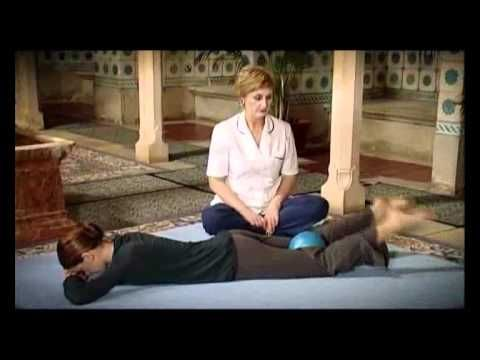 Cviky na bedrové klby a sedacie svaly - cviky v ľahu na bruchu - VIDEO Ako sa to robí.sk
