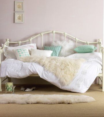 Daybeds, daybeds, daybeds... Love the white sheep skins and furs