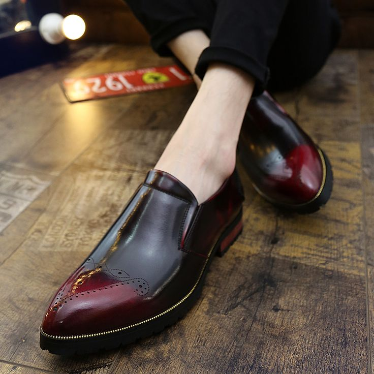 Mens Casual Shoes Patent Leather Handmade Formal Flats Shoes Wedding Dress Brogues Oxfords Derby Shoes Zapatos Hombre Burgundy