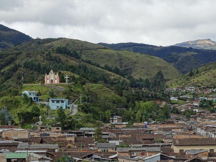 Vista de Capilla de Belén Silvia Cauca Colombia