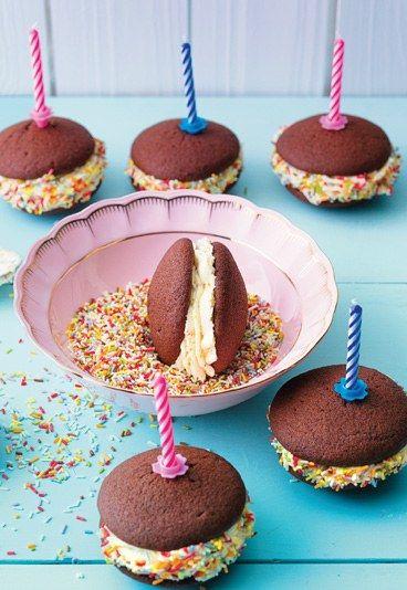 Birthday Whoopies Rezept auf www.gofeminin.de #rezepte #backen #torten #whoopie