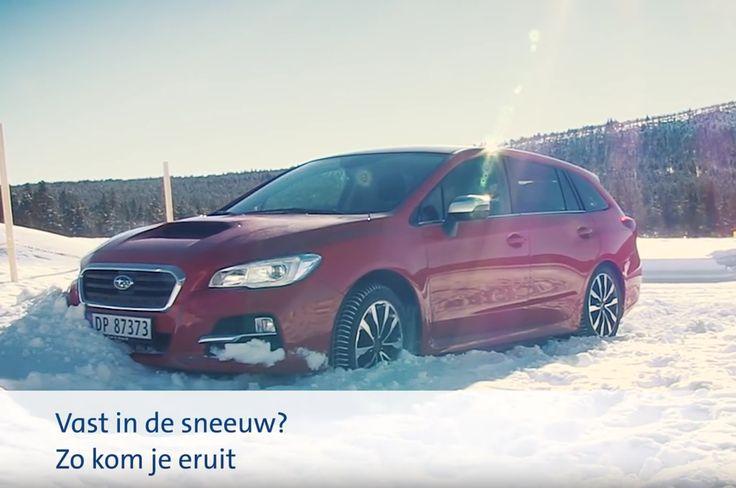 Als je auto vast komt te zitten in de sneeuw? Tips van de ANWB om hem los te krijgen, in deze video