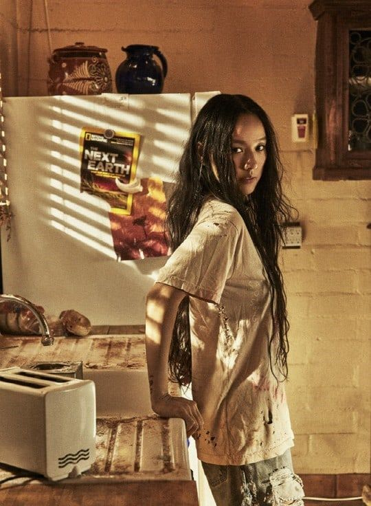 "Update: Lee Hyori Unveils Rustic Teaser Images For New Album ""BLACK"" 