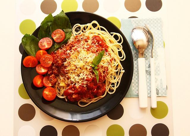 Поддельные спагетти болонезе