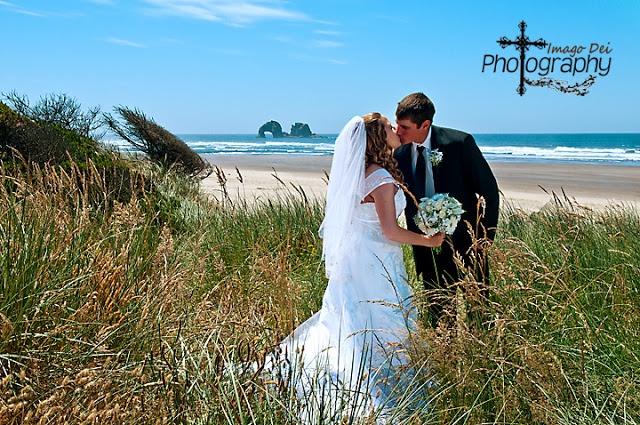 Rockaway Beach Oregon    Beach Weddings    Oregon Coast Wedding Venues    Oregon Wedding venues