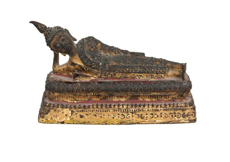 Description A bronze figure of the reclining Buddha. Thailand, lacquered and gilt.  Date 19th century, Rattanakosin period.  www.collectorstrade.de