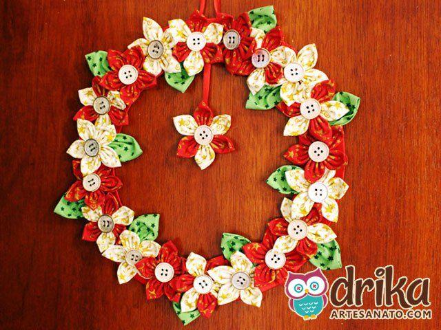 Guirlanda Natalina com Flores de Fuxico