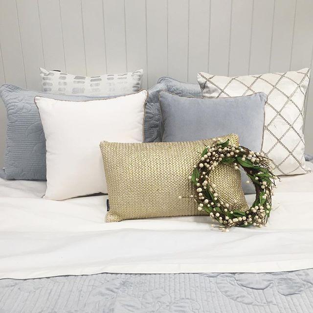 First dressed bed in Ivanhoe store ✔️ #thebedspreadshop #xmasdecor #ivanhoe #ivanhoevillage #shopinivanhoe #bedlinen #luxe #bedroominspo
