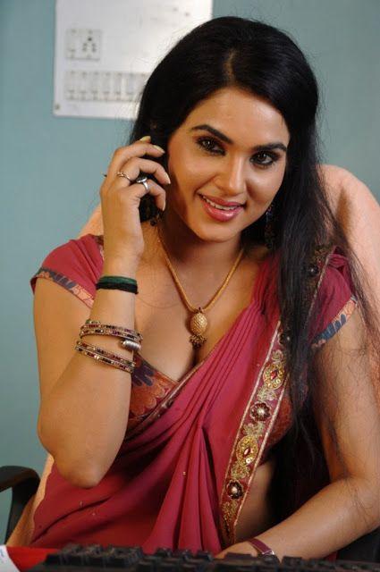 Malu Hot Sexy Teacher Showing Cleavage In Saree  Hot -1495