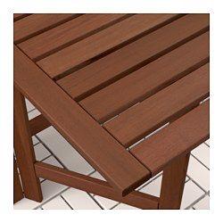 Las dos alas abatibles te permiten regular el tamaño de la mesa según tus necesidades. Silla plegable, perfecta para cuando tienes invitados. Ponle un cojín que te guste y, además de personalizarla, te resultará aún más cómoda. Para prolongar la duración y conservar el aspecto natural de la madera, el mueble ha sido tratado con varias capas de barniz para madera semitransparente.