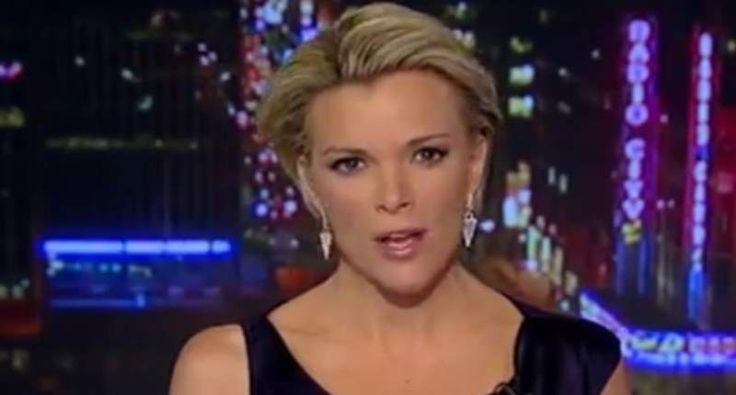 """Bombshell report: Megyn Kelly has told Murdoch lawyers she was sexually harassed by Roger Ailes. (I'm no fan of Fox """"news"""" anchorwomen, but they suffer from the patriarchy just like ALL women) http://www.rawstory.com/2016/07/bombshell-report-megyn-kelly-has-told-murdoch-lawyers-she-was-sexually-harassed-by-roger-ailes/"""
