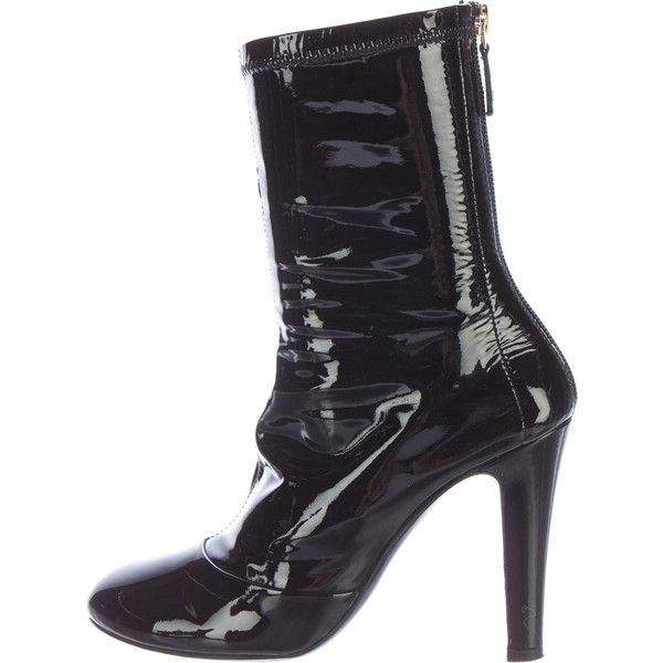 Pre-owned Chanel Patent Leather Ankle Boots ($480) ❤ liked on Polyvore featuring shoes, boots, ankle booties, black, bootie boots, black bootie, black patent booties, black patent leather boots and short boots