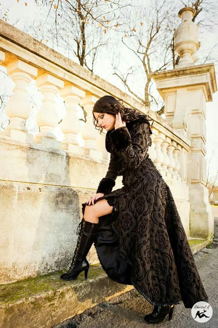 Photographer : Christel.G Photographe Model : Anomaly / http://www.anomaly-modele-photo-gothique.book.fr/ Clothes : Draculaclothing  Je vous remercie pour votre soutien et je vous invite à partager cette photo autour de vous! <3