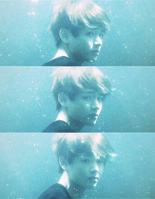 v '' Até debaixo d'água ele é perfeito.. <3