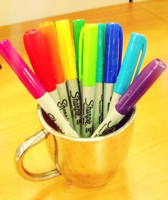 a fast feng shui tip for creativity include colored markers in your office colors