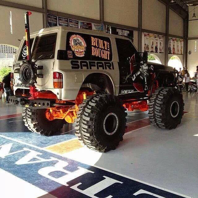 """Brutal Y60 with 44"""" Bogger Nissan Patrol Extreme"""