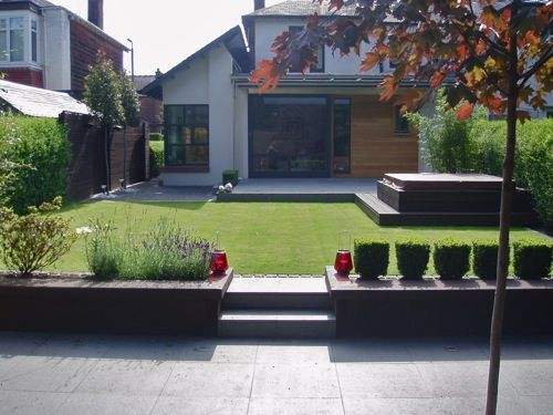 Contemporary City Garden - NEW - Worth following the link to see garden transformation.