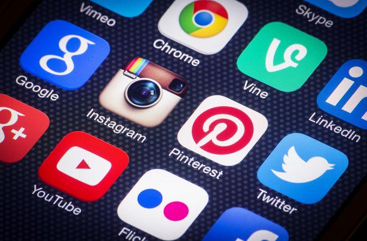 Acceso a redes sociales y dispositivos móviles