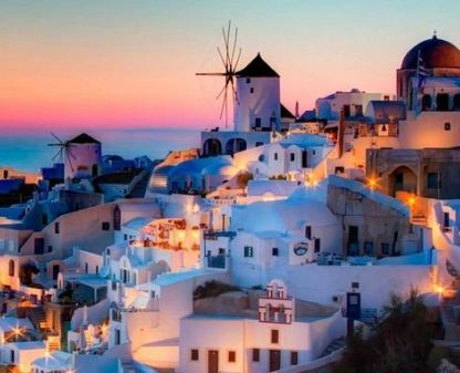 Bien mediante un #crucero o un apasionante #circuito, no puedes dejar de ver las Islas Griegas. #Mykonos, #Santorini, .. bellas ciudades donde contrasta el blanco de sus edificios con el mar creando un escenario realmente hermoso. Además, en Santorini se registra uno de los mejores atardeceres del mundo. Consigue tu viaje por las Islas Griegas aquí. www.felicesvacaciones.es/ofertas-viajes-baratos/viaje-islas-griegas/