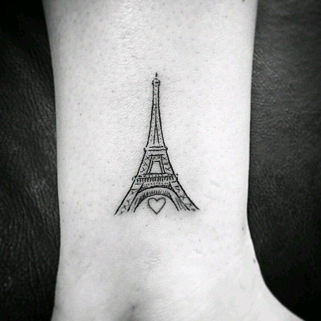 """Quem você levaria para Paris? (Marque aqui!) Tattoo feita pelo <a href=""""http://instagram.com/artnewtattoo"""">@artnewtattoo</a> <3"""