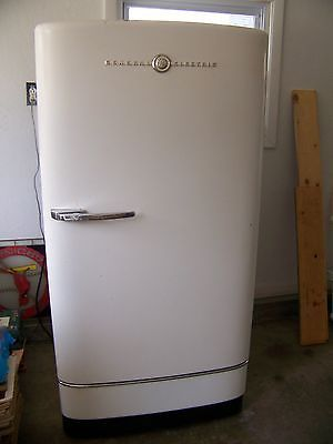 1940 S Antique General Electric Vintage Refrigerator Model