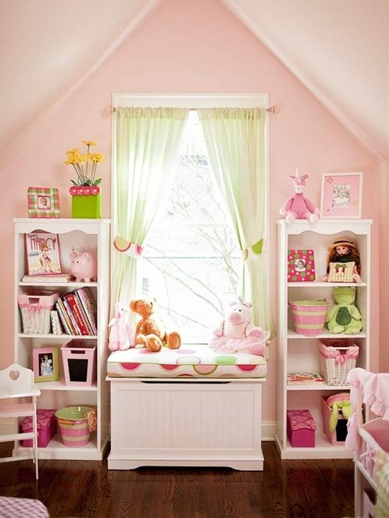 #Kids #Room - thinking of making Kenzie's window area of her room similar to this!