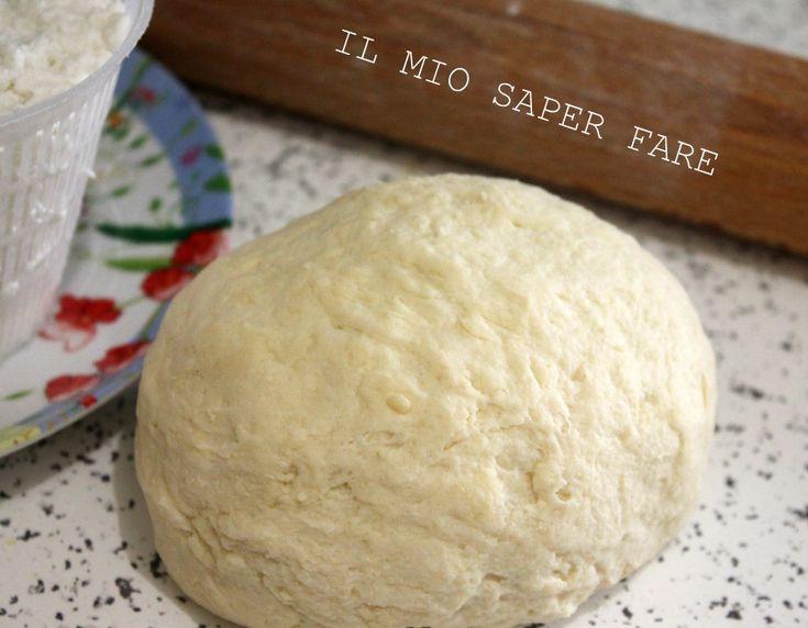 Impasto base con ricotta |ricetta senza lievito: versatile in cucina, morbido, malleabile e genuino. Per torte salate, tartallette e cornetti poco calorici.