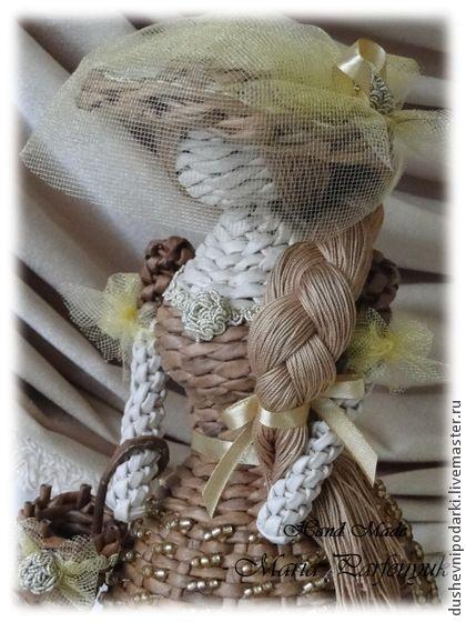 плетёная куколка Анита. Куколка Анита, сплетена из бумаги ,лёгкая и воздушная !  Она послужит красивым украшением для Вашей детской или станет милым подарком для маленькой девочки ! Волосы можно расчёсывать и заплетать в косы!