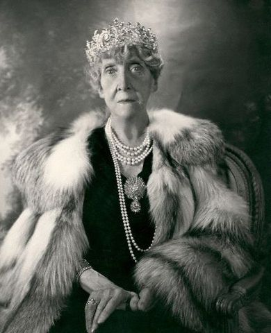 Princess Marie Louise in a portrait photo by Cecil Beaton, wearing the diamond honeysuckle tiara in 1953