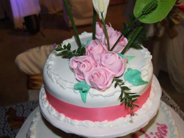 We can arrange beautiful cakes for that special occasion