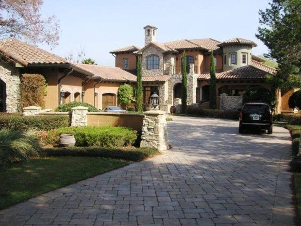 Bella Collina mansion, Lake County, Florida. 10,000 Square feet and former Home of Chris Tucker, Comedian. From - Celebrities who have faced foreclosure - Yahoo! Homes
