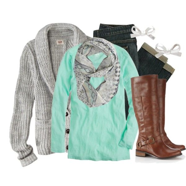 love the aqua and grey color combo, first time I have seen a winter outfit pull of aqua or mint