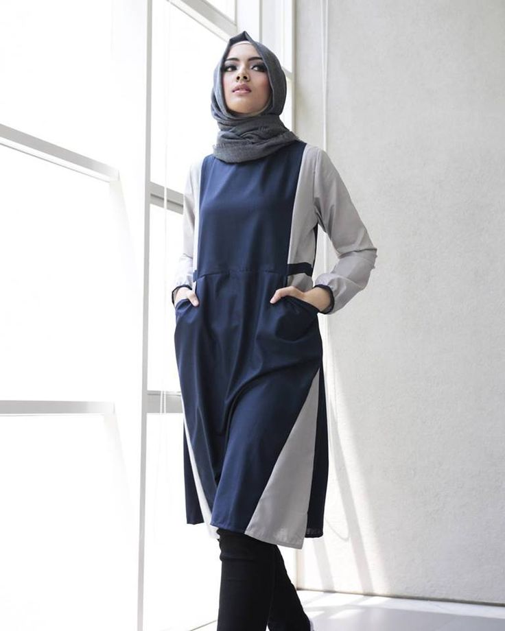 Mitzi tunic in navy blue & light brown: Japanese cotton, soft, thin & cooling. Gathers behind so it's stretchable.