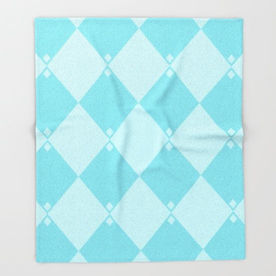 Powdery Blue Diamond Formation Throw Blanket