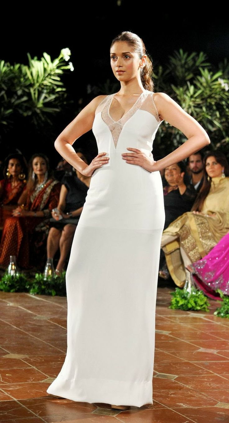 Aditi Rao Hydari Showing Bra-Free Cleavage In Sheer White Dress - PhotosCelebs LifeCelebrity News & Gossip   Movie Reviews, Songs & Videos   Bollywood-Hollywood Actress & Actors Updates  Celebslife.in