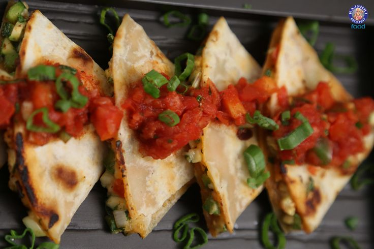 Quesadilla - Cheesy Vegetables in Spicy Tortillas - #Mexican Food #Recipe By Ruchi Bharani