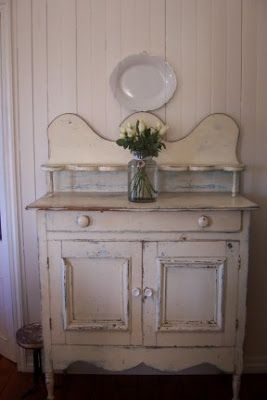 White dresser. ▇  #Vintage #Home #Decor  via - Christina Khandan  on IrvineHomeBlog - Irvine, California ༺ ℭƘ ༻