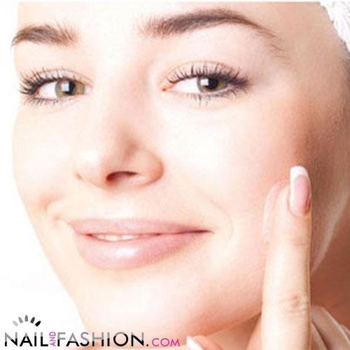 Non sottovalutiamo le rughe d'espressione! Difendiamo la nostra bellezza con piccoli suggerimenti! Leggete qua http://www.nailandfashion.com/non-sottovalutiamo-le-rughe-despressione-3020/