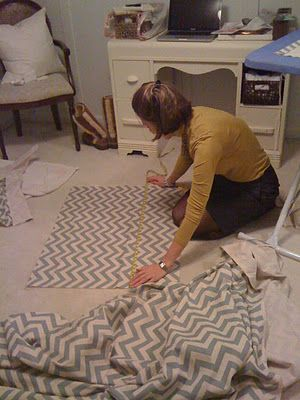 Easy crib skirt... oh! i have been having trouble finding one. Might give this a shot!