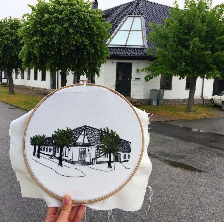 These are such a good idea - embroider the church you got married in, your first home, that little cottage in Devon that you love so much... or even the skyline of a favourite city. Anywhere that brings you joy. <3   Embroidered architecture - from Elin Petronella (@petronella.art)