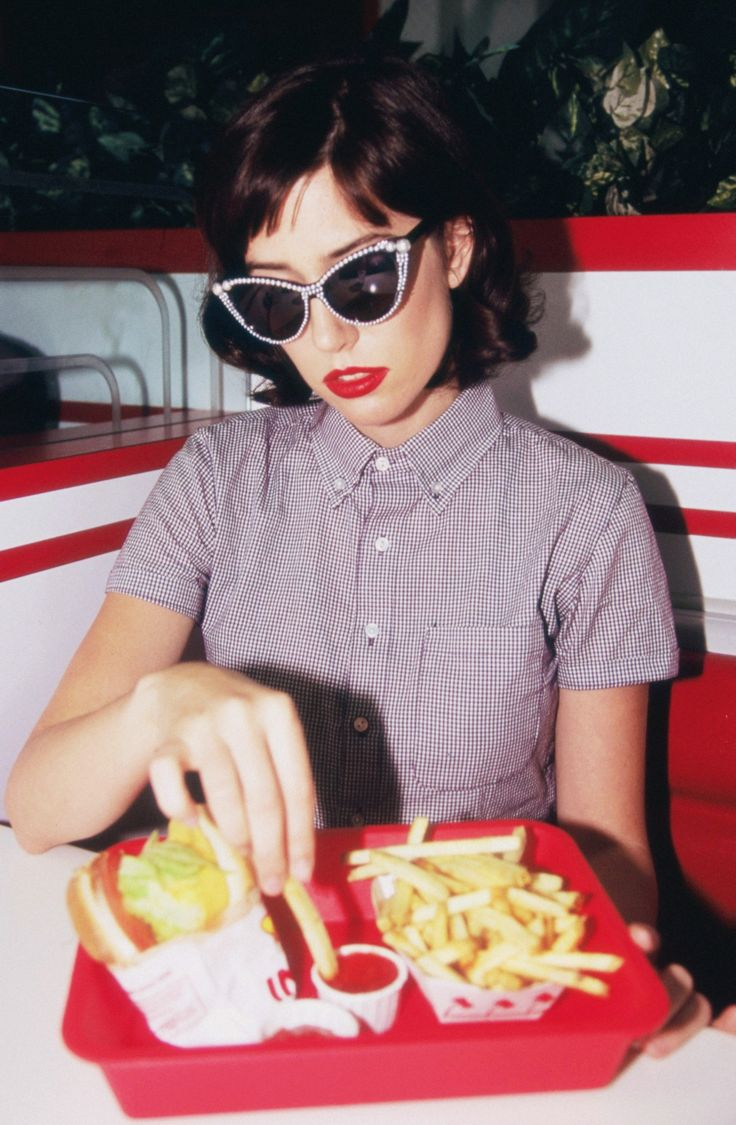 Hana Haley - You Wana Chip Babe? | Cool Rock Vintage Vibes Black and white Music Dinner Editorial Fashion |