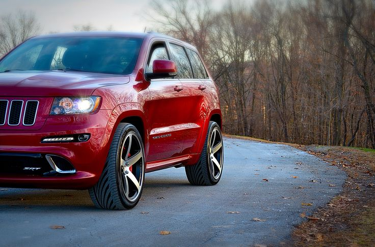 "srt8 Jeep Grand Cherokee on 22"" Concavo wheels"